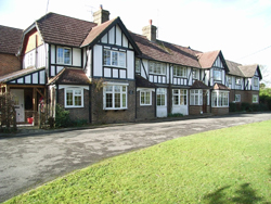 The Manor House - Bed & Breakfast located near Gatwick Airport